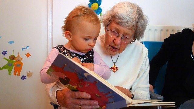 čtení s babičkou