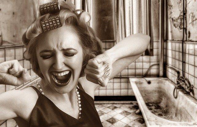 Co mužům napovídají signály o problematických partnerkách